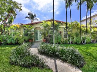 Beach Home With Heated Pool Close To Key Biscayne, Miami Beach