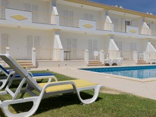 Duncan Blue Villa, Olhos de Agua, Algarve
