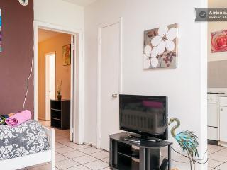 1 Bedroom walk to Las O Las  Sleeps 6  Fort Lauder, Fort Lauderdale