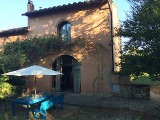 Your own cosy house in Tuscany, with swimming pool