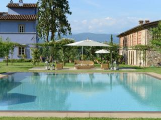 Villa in magnificent Tuscan countryside near Lucca