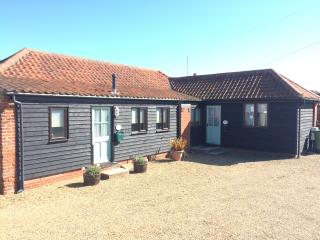 Rowena Cottage in the seaside village of Bacton