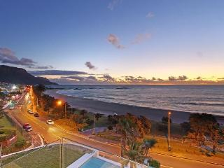 15 Views Penthouse, Camps Bay