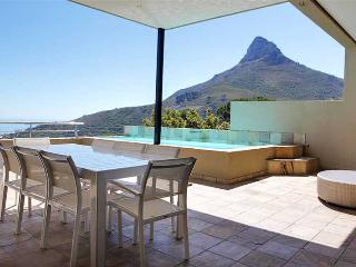 Medburn Views Villa, Camps Bay