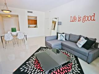 Cool and Modern 1 Bedroom Suite in Brickell Miami