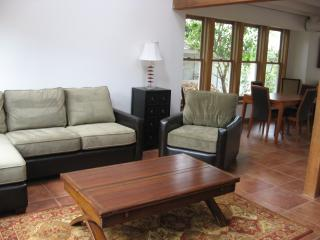 Spacious and Cozy Beach House!  Pet Friendly!, Santa Cruz