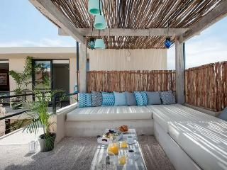 Cheery boutique hotel in Playa del Carmen Downtown