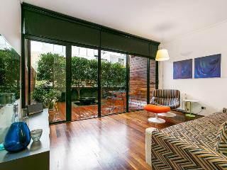 Award Wining! DesignLife Apartment St Kilda close to St Kilda Penguins