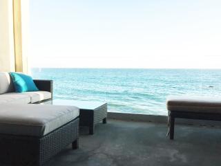 Oceanfront Malibu Modern Luxury, Malibú