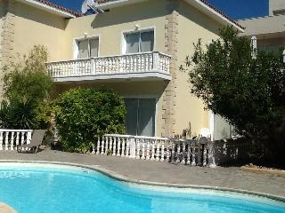 Kato Paphos Spacious 3 bedroom house with pool