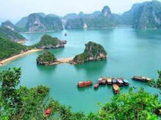 cristina diamond cruise, holiday rental in Hanoi