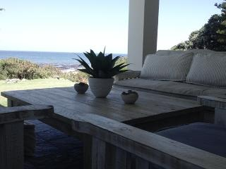 The Nook Sea front villa, Hermanus