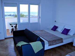 Apartment Semy A3, Novalja