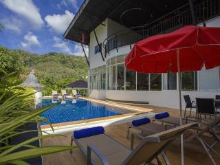 Big Buddha Hill Villa - 5 BR Designer Holiday Home, Chalong