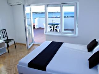 Apartment Semy A5, Novalja