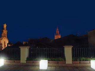 Alto de Santa Cruz Suites (Ático), Sevilla