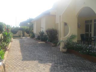 Four bedroom twinn villas shared swimming pool, Acra
