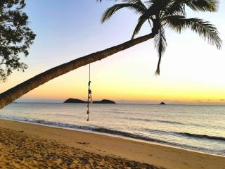 Direct Pool Access - 2 bed 2 bath Apartment, Palm Cove