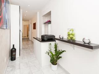 Luxury Aparment 2km away from Colosseo, Roma