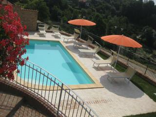 Apartments in Piedmont, green hills, wine e relax