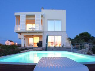 Villa Summer Dreams - two bedroom apartment, Murter