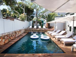 Studio in Fantastic Location , Camps Bay