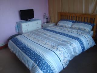 Large double room in Harrow, London