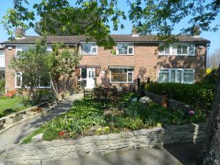 BOURNECOAST: BEAUTIFUL HOUSE CLOSE TO THE RIVER IN CHRISTCHURCH  - HB4170