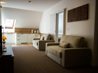 A7 Apartments ***, Komarno