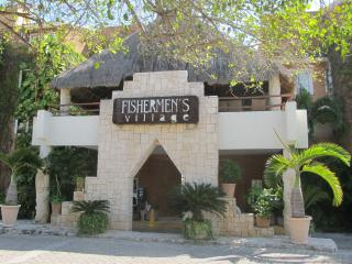 Fishermen's Spa & Resort Beachfront Condominium, Playa del Carmen