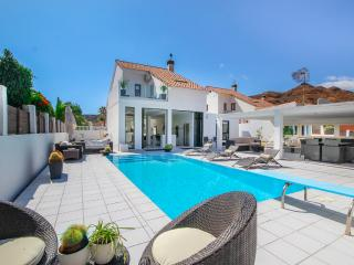 Villa Blanca with private pool, La Playa de Tauro