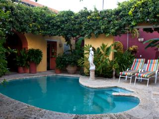 Charming Old City 4 Bedroom Chateau, Cartagena