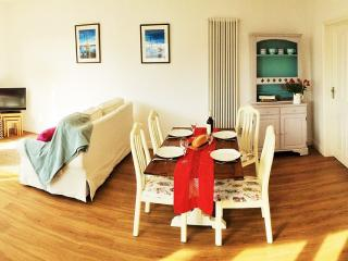 Luxury Crantock Apartment, 5 minutes walk to beach