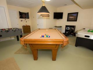 Sumptuous 4 Bed 3 Bath Pool Home, Internet PC, Etc, Orlando