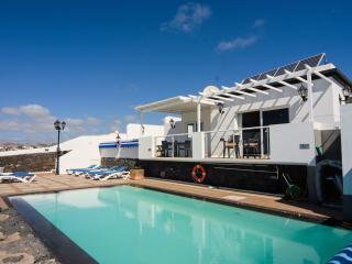 Casa Los Delfines/Okinawa Fantastic 3 bed villa, Puerto Del Carmen