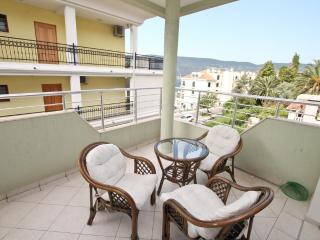 Apartment with a cozy balcony in Savina
