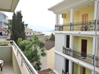 Apartment with a cozy balcony in Savina