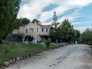Αγίου Σώζοντα βίλα, Miliou