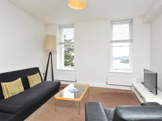 12 Astor House Sea views and balcony 1b 2-4p, Torquay