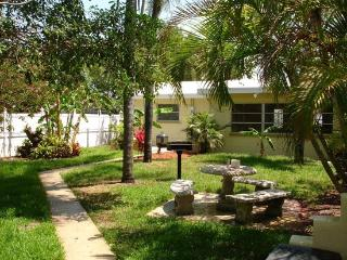 Alice's Beach Bungalows 2 bedroom, Treasure Island