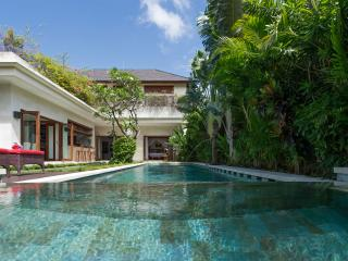 Villa Kalimaya II - an elite haven, 2BR, Seminyak