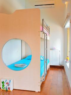 Children fun bedroom