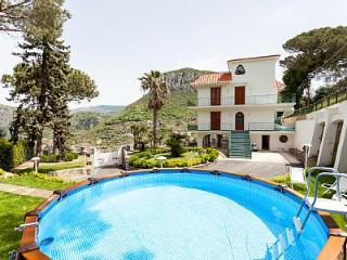 New 4 bedrooms Villa with sea view in Sorrento, Piano di Sorrento