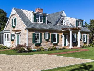 CAST3 - Ferry Tickets 8/5 week, Katama Luxury with Heated Pool, Coastal Decor, Edgartown
