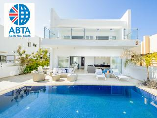 Oceanview Villa 100 - Modern & close to the beach, Protaras
