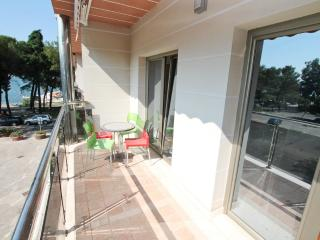Apartment 1 bedroom in Igalo / 30m to the beach