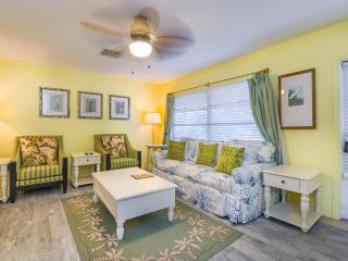 2 Bedroom/2 Bath Luxury Condominium, #15, Sarasota