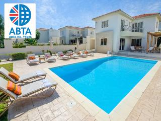 Oceanview Villa 001 - 4 bed close to the beach, Protaras