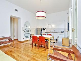 Grand Trevi Fountain apartment in Centro Storico with WiFi, airconditioning, Rome