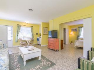 Luxury 1 Bedroom Condo at The Elephant Ear, #8, Sarasota